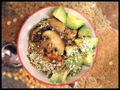 Brown Rice w Mushrooms, Spring Onion, Hemp & Avocado - if you have pre-cooked rice, this is a super quick & tasty #vegan dinner :-)