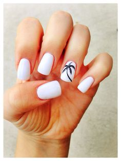 Palm tree white nails   For Maternity Inspiration, Shop here >> http://www.seraphine.com/us | Palm trees | Beach vibes  | Summer inspiration | Sun |