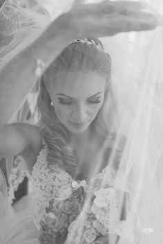 A linda noiva Bárbara de 12.03.16!  Assessoria e cerimonial - Flor de Lis