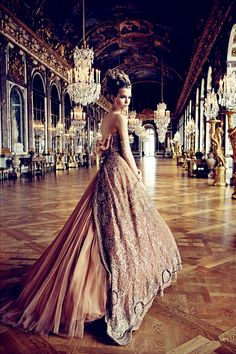 Gold Wedding Dress #wedding #dress www.loveitsomuch.com