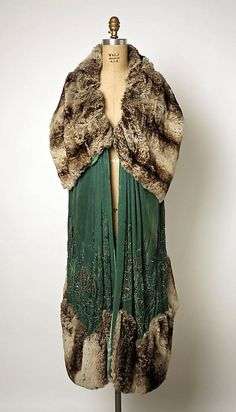 Evening wrap. Jenny  (French) Date: early 1920s Culture: French Medium: silk, fur, glass