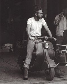 Paul Newman riding his Vespa