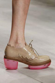 terrible upper, interesting heel