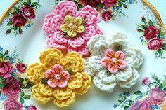 sweet little crocheted flowers