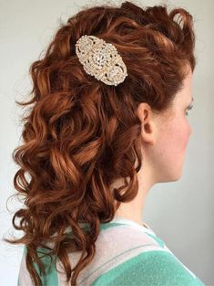 Wedding Hairstyles for Curly Hair 2019 20 soft and Sweet Wedding Hairstyles for Curly Hair 2019 Of 98 Best Wedding Hairstyles for Curly Hair 2019 Wedding Curls, Curly Wedding Hair, Wedding Hair Flowers, Flowers In Hair, Big Curly Hair, Curly Hair Styles, Natural Hair Styles, Long Curly, Long Blond