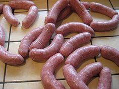 Ahhh the humble Bratwurst. One of the great food treats that come from America& beautiful immigrant history. Charcuterie, How To Make Sausage, Sausage Making, Homemade Sausage Recipes, Polish Sausage Recipes, Bacon Recipes, Home Made Sausage, Bratwurst Recipes, Bacon Sausage