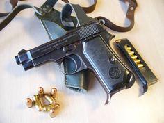 Several years ago, a close friend was given a Beretta 1934 Corto pistol. Shooting Guns, Shooting Range, 32 Acp, Guns Dont Kill People, Revolver, 9mm Pistol, Cool Guns, Guns And Ammo, Firearms