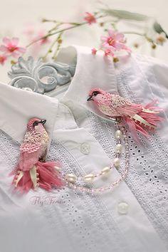 "The double brooch ""Singing Birdie"". Wedding Collection. http://www.livemaster.ru/item/6429977-svadebnyj-salon-dvojnaya-brosh-ptashki"