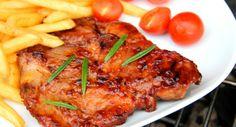 Grillezett sertéstarja recept BBQ szószban: A sertéstarja elkészítésének egyik legfinomabb módja, ha BBQ szószban pácolva grillezzük. Próbáld ki te is! ;) Bbq Dry Rub, Hungarian Recipes, Hungarian Food, Tandoori Chicken, Barbecue, Grilling, Bacon, Pork, Cooking Recipes