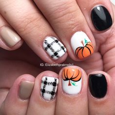 What Christmas manicure to choose for a festive mood - My Nails Plaid Nail Designs, Fall Nail Art Designs, Cool Nail Designs, Plaid Nails, Red Nails, Hair And Nails, Christmas Manicure, Holiday Nails, Fall Nails