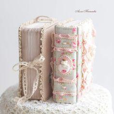 Hand Embroidery Art, Vintage Embroidery, Cross Stitch Embroidery, Handmade Journals, Vintage Journals, Cute Desktop Wallpaper, Estilo Shabby Chic, Book Flowers, Cross Stitch Flowers