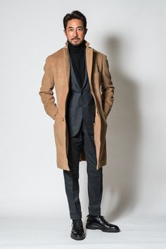 black turtleneck suit at DuckDuckGo Stylish Men, Men Casual, Mantel Beige, Camel Coat Outfit, Charcoal Suit, Classic Suit, Winter Mode, Black Turtleneck, Well Dressed Men
