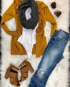 females' cardigans give the ideal detail to effectively fasten personal style jointly. Casual Skirt Outfits, Fall Outfits, Cute Outfits, Fashion Outfits, Womens Fashion, Mustard Cardigan Outfit, Cardigan Outfits, Long Cardigan, Outfits Juvenil