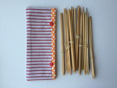Double Pointed Knitting Needle Cozy - Crochet Hook Holder - DPN Pouch - Needle Cozy - Needle pouch - Sock Knitting Holder - Sock knitting by LowlandOriginals on Etsy Double Pointed Knitting Needles, Sock Knitting, Crochet Hooks, Pouch, Cozy, Fabric, Handmade, Knitting Socks, Tejido