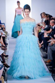 Oscar De La Renta 2013 Spring/Summer Fashion Week   Comesse