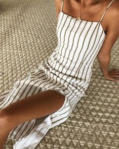 The Best Jumpsuit Ideas Summer Outfits 02 90s Fashion, Fashion Outfits, Fashion Clothes, Fashion Brands, Style Fashion, Girl Fashion, Beige Outfit, Looks Chic, Mode Outfits