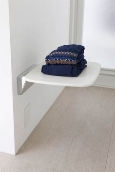 Cleaning is surprisingly easy! The idea of storing a washroom and a dressing room without placing on the floor-tidy-up storage dot com – Decor Ideas Shoe Storage, Storage Spaces, Wood Joints, Smart Furniture, Love Home, Washroom, Fashion Room, Living Room Kitchen, Dining Room Design