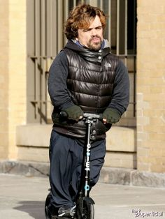 Peter Dinklage Riding A Razor Scooter Peter Dinklage Riding - Photo of peter dinklage riding a scooter sparks funniest photoshop battle ever