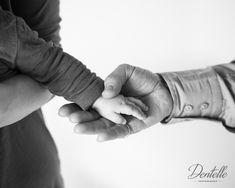 Main dans la main - Mélanie Robin pour Dentelle Photographie - www.dentellephotographie.com