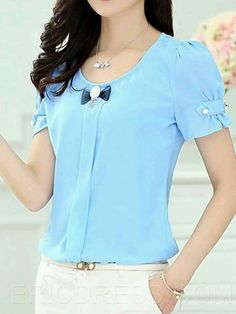 cute blue blouse with bow and puff sleeves and a buckle Bermudas Fashion, Blog Couture, Karen, Cute Blouses, Mode Hijab, Corsage, Dress Patterns, Blouse Designs, Designer Dresses