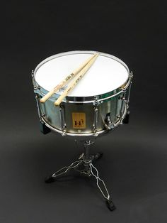 I wanted to make a snare that was loud and punchy with loads of response, this one nailed it. With the unique solid shell design it gives incredible punch power