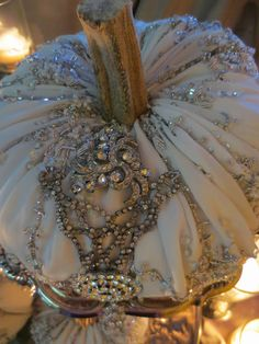 Ornate Splendor: Elegant Fall Decor -- could be pretty as a ring pillow? Velvet Pumpkins, Fabric Pumpkins, Fall Pumpkins, Wedding Pumpkins, White Pumpkins, Autumn Decorating, Pumpkin Decorating, Autumn Crafts, Holiday Crafts