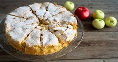 A finom almás sütiket nagyon szeretjük, ez azonban még egyszerű is. A tésztához csak pár alapanyag kell, ezért bárki könnyedén elkészítheti. Hozzávalók: 3 tojás, 150 g liszt, 200 g cukor, 4 nagy alma. Elkészítés: A tojásokat habverővel verjük fel, keverjük hozzá a cukrot és verjük tovább. A lisztet is öntsük hozzá és habverővel keverjük össze. … Best Pastry Recipe, Pastry Recipes, Cooking Recipes, No Cook Desserts, Dessert Recipes, Romanian Food, Cake Bars, Bread And Pastries, Baking And Pastry