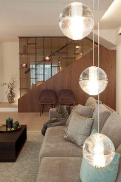 #livingroomideas #staricaseideas #stiegenaufgang #treppen #wohnzimmerideen #wohnzimmeridee #lighting #lightdesign #Lichtdesign Interior Design Studio, Luxury Living, Ceiling Lights, Elegant, Lighting, Home Decor, Indirect Lighting, Light Design, Remodels
