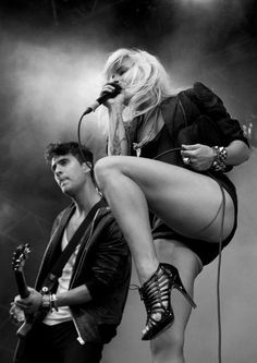 The Sounds - Maja Ivarsson, Felix Rodriguez. Wow looks just like a young Debbie Harris and Tim Burton on guitar...