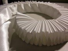 Mrs Bertin's Jewelry Box: DIY: How to Make an Elizabethan Ruff