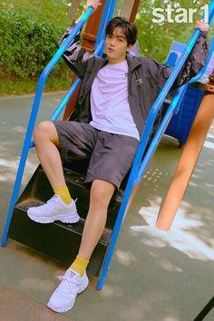 Korean Singer, Boy Groups, Baby Strollers, Sporty, Photoshoot, Kpop, Actors, Boys, Microsoft Office