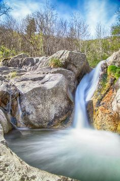 L Ardèche  Magnifique cascade.
