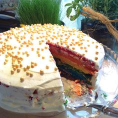 I made a really yummy rainbow cake, it tastes like Unicorn...
