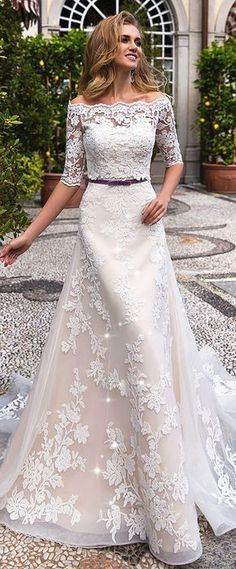 Marvelous Tulle Off-the-shoulder Neckline A-line Wedding Dress With Lace Appliques & Detachable Jacket
