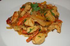 Tuulikummun keittiössä: MAANANTAIRUOKAA osa 2 Kung Pao Chicken, Pesto, Mango, Ethnic Recipes, Food, Red Peppers, Manga, Essen, Meals