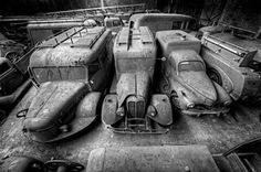 Stored then forgotten Abandoned Property, Abandoned Mansions, Abandoned Buildings, Abandoned Houses, Abandoned Places, Haunted Places, Vintage Trucks, Old Trucks, Citroen Ds