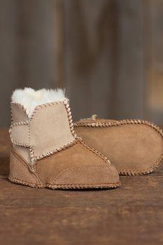 2-Tone Sheepskin Baby Booties//