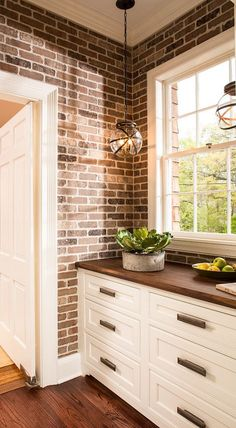 Great Butler's Pantry Design Ideas with designer sources. … Butler's Pantry. Great Butler's Pantry Design Ideas with designer sources. - Own Kitchen Pantry Stylish Kitchen, New Kitchen, Kitchen Decor, Kitchen Ideas, Kitchen Wood, Kitchen Colors, Pantry Ideas, Brick Wall Kitchen, Kitchen Pantry