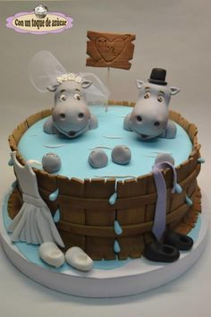HIPPO Wedding Cake 4 Katelyn because she likes them BIG. Gorgeous Cakes, Pretty Cakes, Cute Cakes, Amazing Cakes, Hippo Cake, Decors Pate A Sucre, Animal Cakes, Crazy Cakes, Novelty Cakes