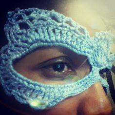 Máscara de crochê  no YouTube se inscreva. Link https://www.youtube.com/channel/UCLdlQjfJlJli17DekbISZAw Você que ainda não conhece minha página de uma passadinha lá. Divulgue Art Kilykina #leia #bomdia #frases #pensee #amor #boatardeee #artkilykina #boanoite #leia #familiabarroco #semprecirculo #tapete #tapetedecroche #receita #pingouin #pingouinfios #blogdapingouin #croppedtop #crochê #amocrochê #artesanato #feitoamao #handmade #fiospingouin #eurofios #euroroma