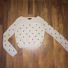 Cropped chunky polka dot sweater Ivory chunky cropped sweater with black polka dots. Super cute.  Size S. 100% cotton Forever 21 Tops Crop Tops