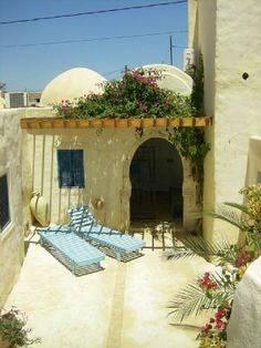 Gorgeous rooftop patio, partly shaded. DJERBA ERRIAD