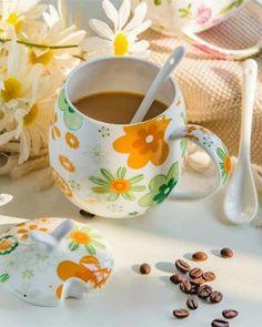 Little's Coffee, Coffee Is Life, Coffee Love, Coffee Break, Morning Coffee, Coffee Cups, Barrel Cake, Coffee Around The World, Flower Tea