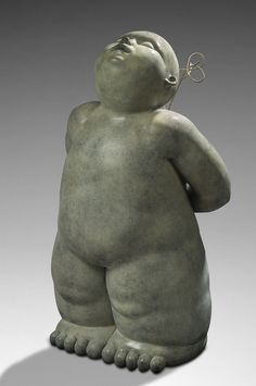 MARIELA - The Gift. #sculpture #mariela #bronze #gift #cute #baby #saintvalentin #valentinesday #amour #love #amor #romantique #romance #romantic galeriemarciano #galerie #art #contemporaryart #artcontemporain #fineart