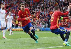 Spain's incredible clean-sheet run continues in Euro 2016 opener