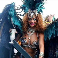 Her locks may have simmered to a copper tone, but her voluminous natural curls at the Barbados Crop Over festival mirrored her wild, carefree spirit.