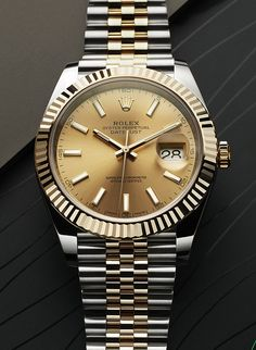 The Rolex Datejust 41 Rolesor, combining 18ct yellow gold and 904L steel. This association of materials and colours gives the watch its unique and distinctive appearance. Inside the case is Rolex's new-generation self-winding mechanical movement, calibre 3235, for superlative performance.