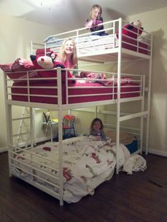 Triple bunk bed DIY - IKEA Hackers - - I hacked a triple bunk bed, by nesting the IKEA TUFFING bunk bed under the loft bed. But using IKEA assembly diagrams, I will show you how to build it. Bunk Bed Diy, Bunk Beds Small Room, Custom Bunk Beds, Girls Bunk Beds, Bunk Bed Plans, Cool Bunk Beds, Bunk Beds With Stairs, Kid Beds, Small Rooms