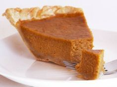 A gluten-free Thanksgiving dinner must include a few gluten-free desserts. Check out our amazing gluten-free Thanksgiving dessert recipes and find one your whole family will love! Paleo Dessert, Paleo Sweets, Dessert Recipes, Gluten Free Thanksgiving, Thanksgiving Pies, Paleo Recipes, Real Food Recipes, Yummy Food, Free Recipes