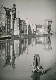 Zdjęcie numer 11 w galerii - Świetlana przyszłość Gdańska na zdjęciach z lat 60. Czy sprawdziły się wizje fotografów? Danzig, Ppr, Architecture Old, Prussia, Old City, Historical Photos, Poland, Monochrome, New York Skyline